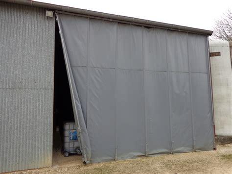 porte de hangar occasion rideau sur rail a la place d une porte