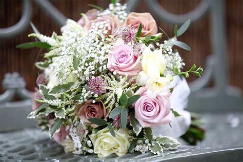 expert tips for choosing wedding flowers the italian villa