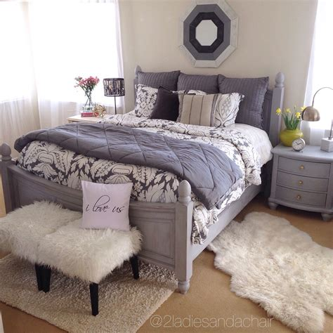 redoing my bedroom how to quickly redo your master bedroom 2 ladies a chair