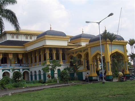 Di Medan my diary callmee bangunan bersejarah kota medan