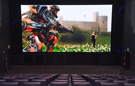 china film giant screen samsung made a giant 34 foot led tv for movie theaters