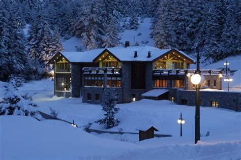 Home Snow Vanishing 39 Gr 4 hotels with an alpine feeling to ski resorts athinorama suggests the official