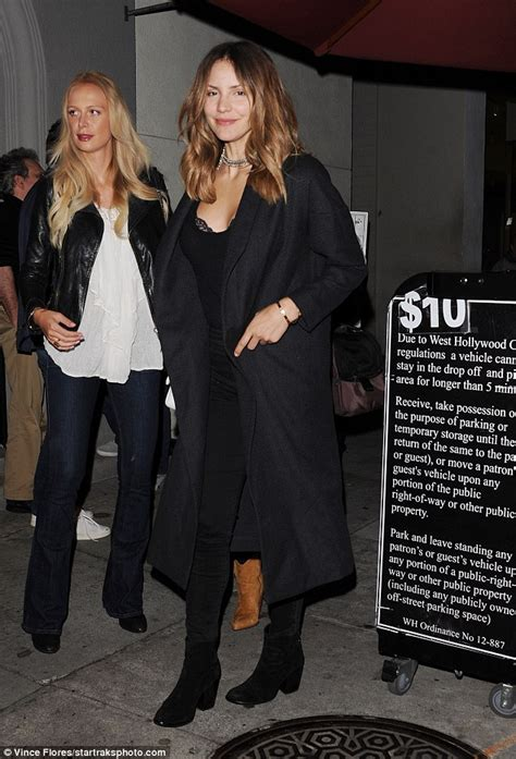T2b Spotting The Black Ensemble by Katharine Mcphee Flashes A Bit Of Bra As She Dines At