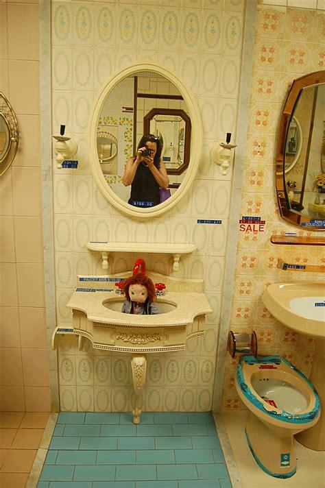 World Of Tile Vintage Nos Sinks Mirrors Lighting Retro Bathroom Fixtures