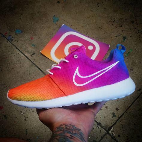 Jual Nike Roshe Run Instagram check out these roshes inspired by the new instagram logo nike instagram logo