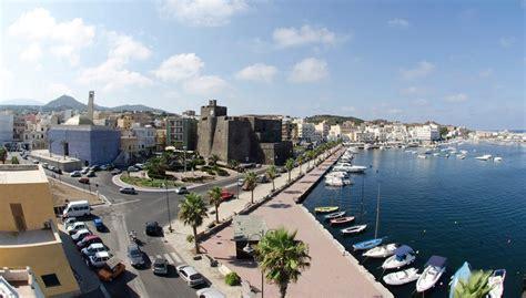 porto pantelleria pantelleria centro il cuore pulsante di pantelleria