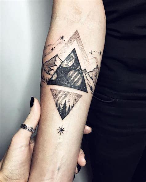 tattoo inspiration klein die besten 25 berg tattoos ideen auf pinterest berg