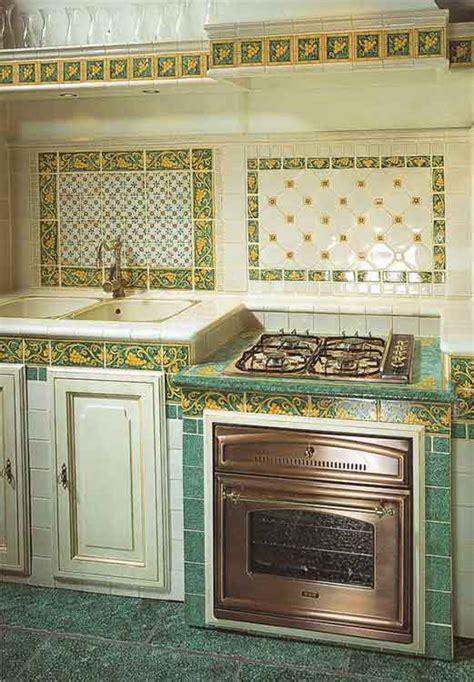 waschtisch grün wohnzimmer tv steinwand