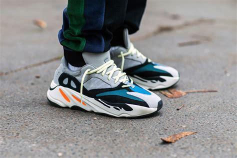 Sepatu Fila Disruptor trend baru meminjam sepatu ayah untuk fashion