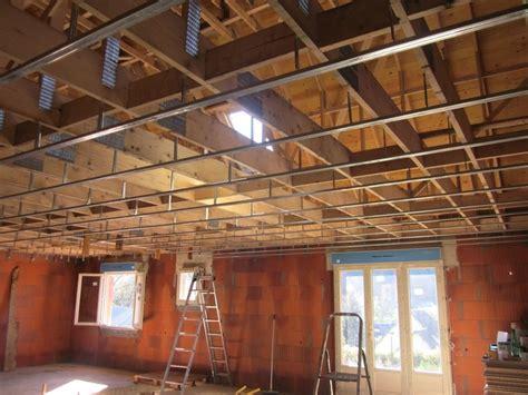 Suspente Plafond by Pose Des Suspentes Et Fourrures Pour La Pose Du Plafond