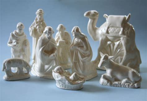 vintage holland mold 9 piece ceramic nativity set
