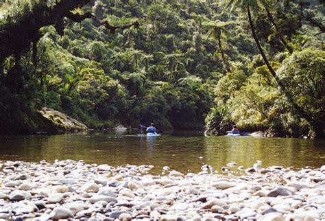 canoes nz photos punakaiki canoes river kayaking in paparoa
