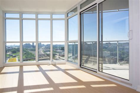 floor to ceiling window virtual tour of 21 iceboat terrace toronto ontario m5v