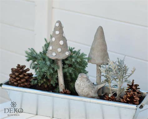 Herbstdeko Fenster Diy by Diy Herbstdeko F 252 R S Fenster Mit Pilzen Aus Knetbeton