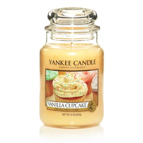 yankee candele vanilla cupcakes favorite things yankee candles scented