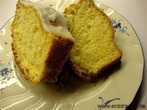 zuckerguss kuchen zuckerguss auf erkalteten kuchen appetitlich foto