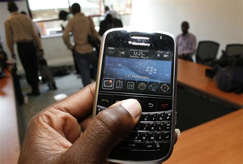Motorolas Slvr Phone To Fight Aids by Zambia Using Cell Phones To Fight Hiv Aids Pc Tech Magazine