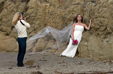 A Wedding Photographer by File Wedding Photographer Preparing Jpg Wikimedia