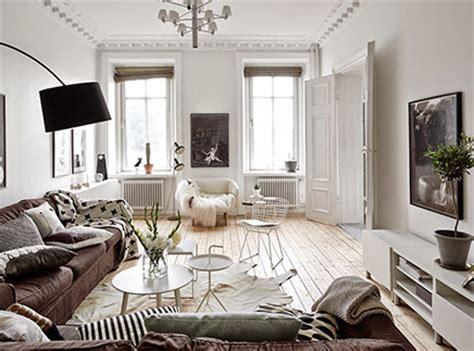 scandinavische plafondl scandinavische woonkamer met authentieke nieuwe details