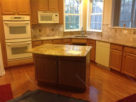 Kitchen Cabinets And Granite Countertops by Granite With Backsplash Homestartx