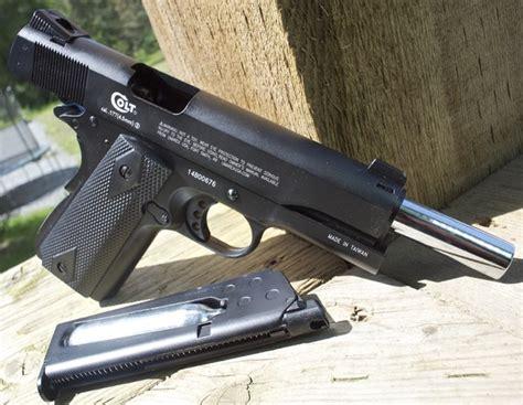 Umarex Colt Commander Co2 Blowback 4 5mm Bb Pistol Table