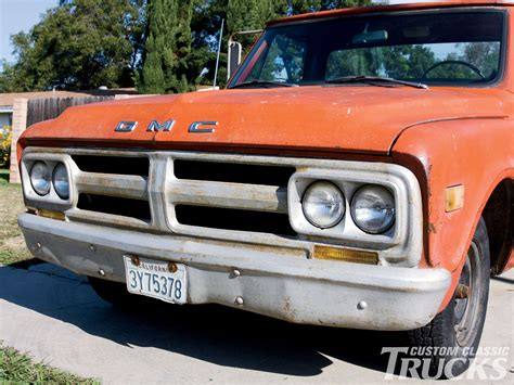 custom truck grills gmc 1967 1968 gmc grille bumper upgrades rod network