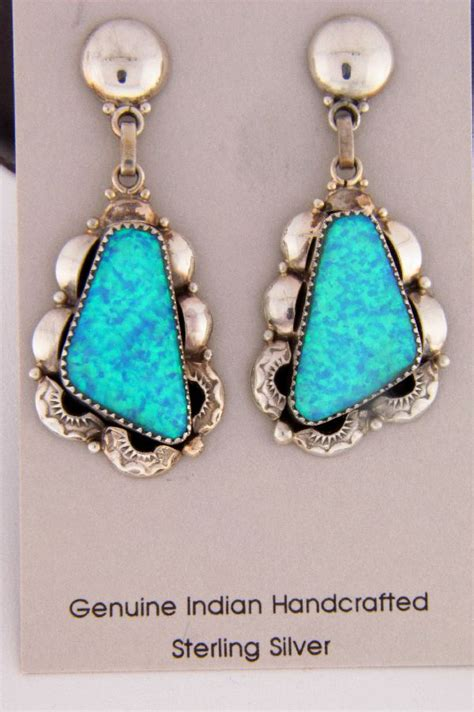 Opal Kode 137 lab opal necklace and earrings