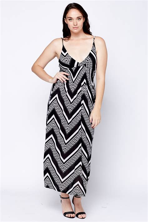 Zigzag Maxi Dress zig zag plunge maxi dress just 163 5