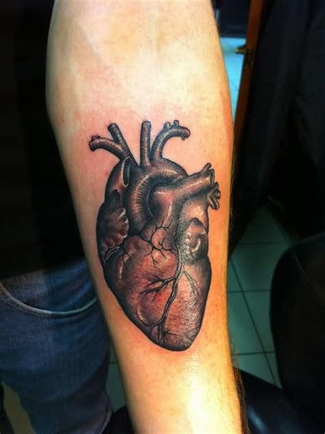 tattoo realistic heart 3 amazing real heart tattoos on chest