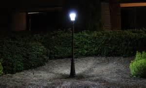 Landscape Light Post Gama Sonic Solar L Post And Single L Led Light Fixture 93 Inch