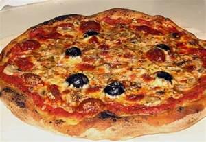 pizza kuchen chefkoch pizza rezept f 252 r 8 personen rezept mit bild