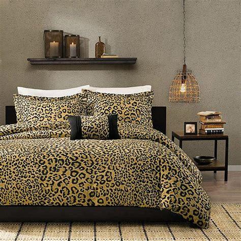 cheetah decor for bedroom 10 amazing bedrooms with cheetah bedding print rilane