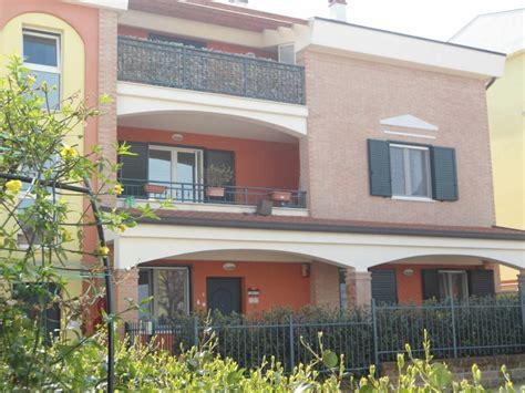 appartamenti affitto vasto appartamento in affitto in via incoronata zona paese a