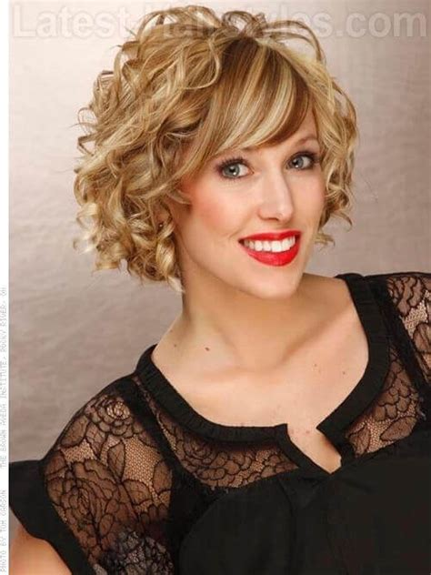Big fun curly bob with highlights and curls jpg