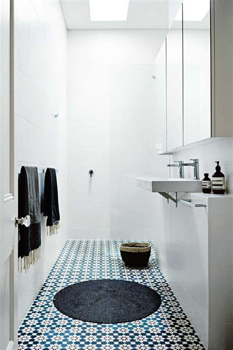 arredare bagno stretto e lungo 23 idee per arredare un bagno lungo e stretto