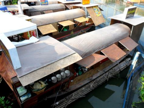 boat stall kwan riam floating market on the saen saeb canal
