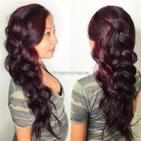 burgundy highlights on shag haircuts 43 best burgundy hair images on pinterest hairstyles for