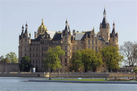 house boating magazine houseboating abroad beautiful european destinations to