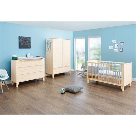 chambre bébé luxe chambre bois massif