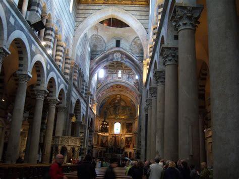 interno duomo di pisa duomo di pisa un capolavoro dell architettura romanica