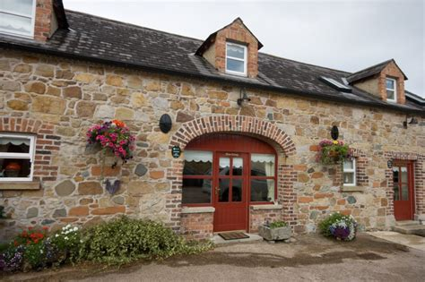 luxury cottages northern ireland self catering cottages northern ireland golfkeel 5 self