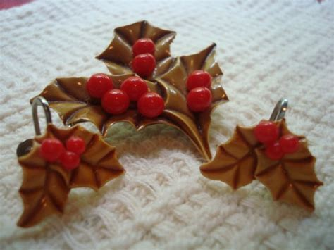 Sausan Set4 vintage brooch and earrings set selectionsbysusan