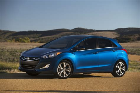 2014 hyundai elantra gt photo gallery autoblog