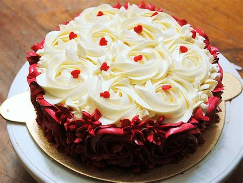Red & White Rosette Cake ? design type 25   Punizz Kitchen