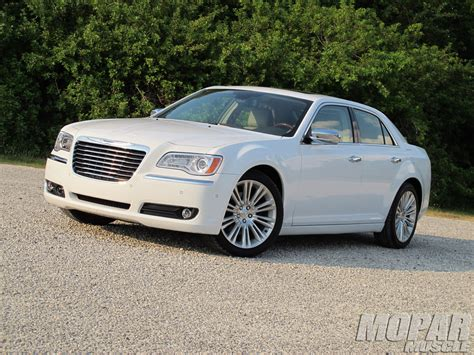 Chrysler 300c Review by 2011 Chrysler 300c Review Photo 4