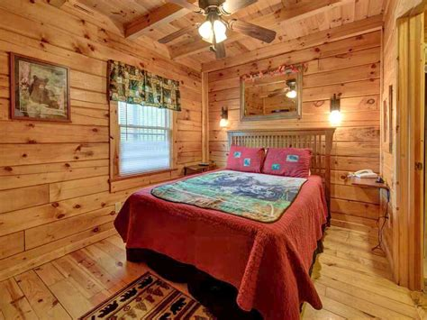 Three Bears Cabin Gatlinburg Tn by Three Bears Cabin Cabin In Sevierville W 1 Br Sleeps6