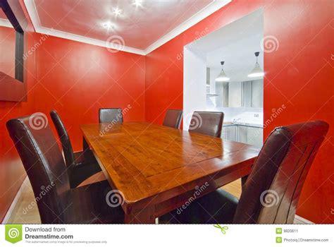 colore sala da pranzo sala da pranzo nel colore rosso immagine stock immagine