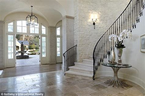 kris jenner foyer and kanye west s new 20 million