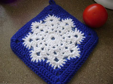 pattern for snowflake granny square snowflakes for home start free patterns loveknitting blog