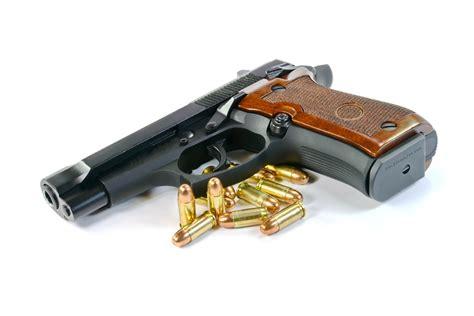 porto armi uso sportivo acquista pistole senza porto d armi denunciato due volte